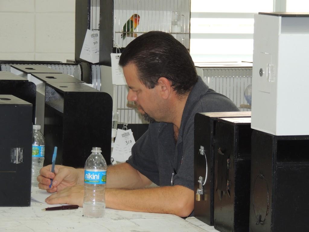 Arnaldo Repollet taking the judge's test.