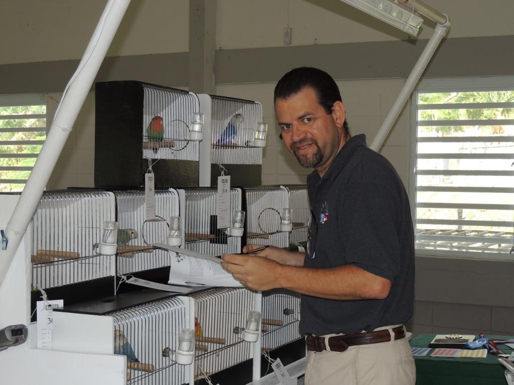 Arnaldo Repollet working as Steward. Trabajando de ujier. Courtesy Marilena Salmones
