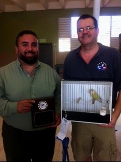ABE judge Warner Lopez and winner of the Peachfaced Division, Arnaldo Repollet - Bayamon, PR 2/28/15 Courtesy Luis Ocasio